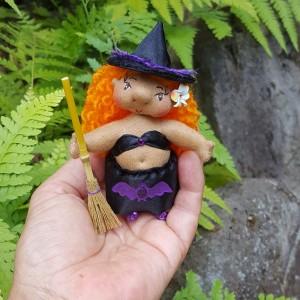 Kiwi, the Little Hawaiian Witch